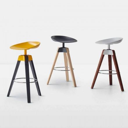 Obrotowy stołek Bonaldo Plumage ze stali i drewna wyprodukowany we Włoszech