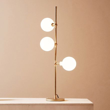 Nowoczesna, ręcznie robiona lampa stołowa z mosiądzu z diodą LED Made in Italy - Grippa