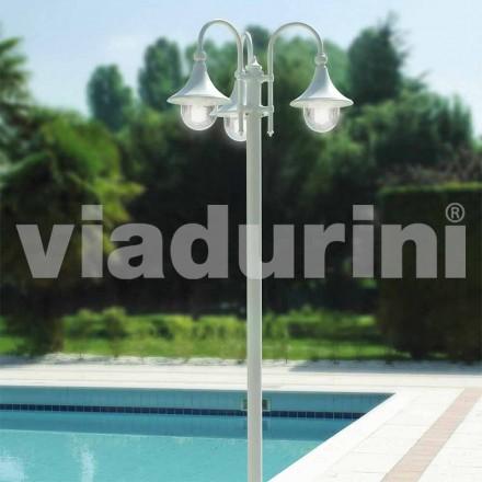 Zewnętrzna latarnia z trzema światłami z białego aluminium, wykonana we Włoszech, w Anusca