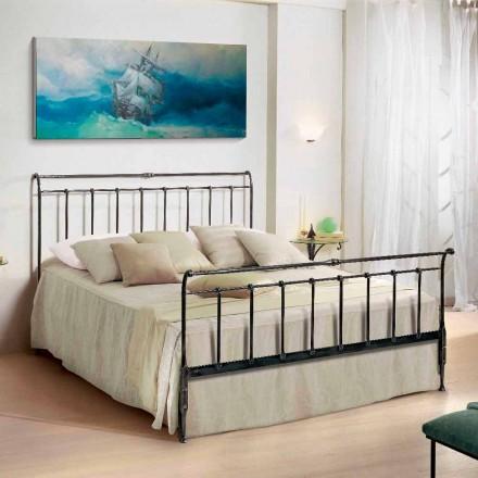 Łóżko dwuosobowe z żelaza wykonane ręcznie model Kate