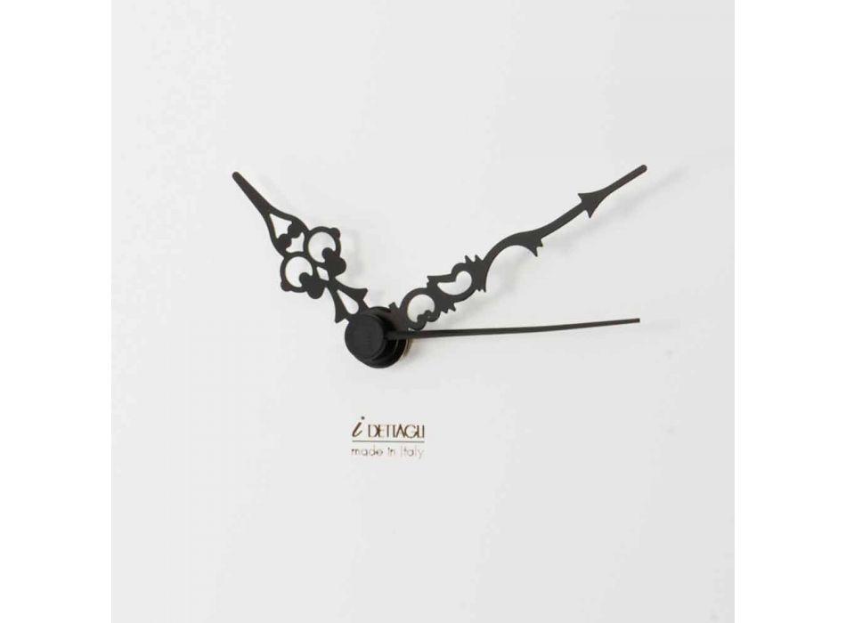 Biały Zegar Ścienny z Drewnianymi Dekoracjami Zwierząt Nowoczesny Design - Suspens