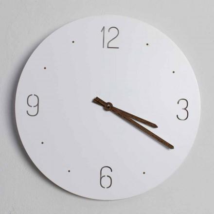 Klasyczny zegar ścienny z białego okrągłego drewna ciętego laserowo - Jovial