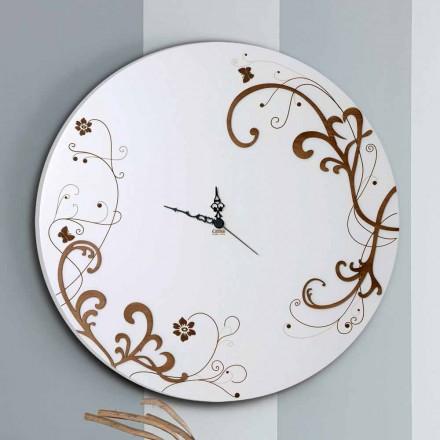 Nowoczesny, okrągły drewniany zegar ścienny z sezonowymi dekorami
