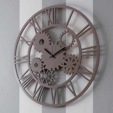 Duży i okrągły odrapany kolorowy drewniany zegar ścienny - mechanizm