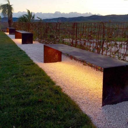 Ręcznie wykonana ławka zewnętrzna ze stali z oświetleniem LED Made in Italy - Magdalena