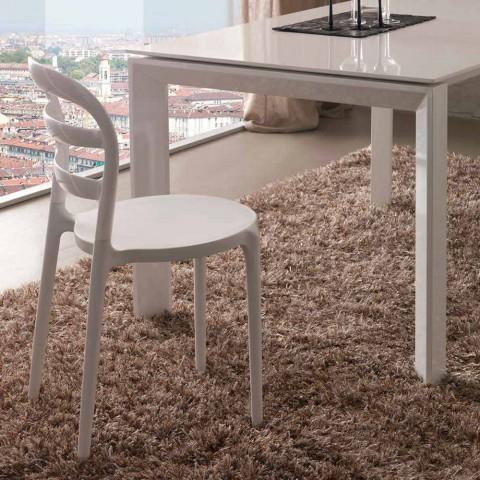 Białe krzesło o nowoczesnym wzornictwie Derulo