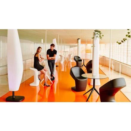 Nowoczesny stołek zewnętrzny Ufo firmy Vondom, wykonany z polietylenu