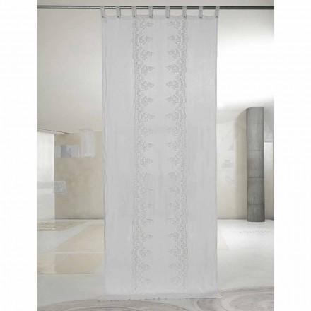 Biała i jasna lniana zasłona z centralną koronką, elegancki design - Geogeo