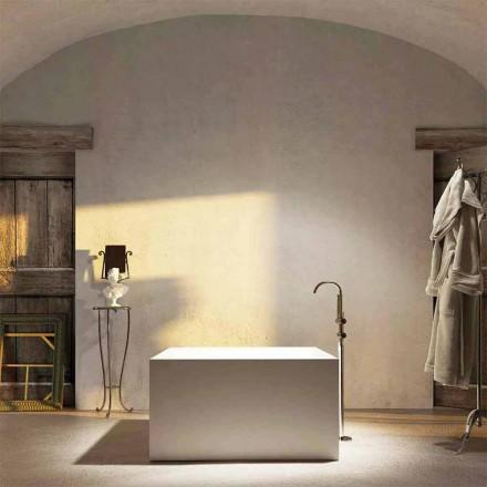 Wolnostojąca kwadratowa wanna Argentera, wyprodukowana w 100% we Włoszech